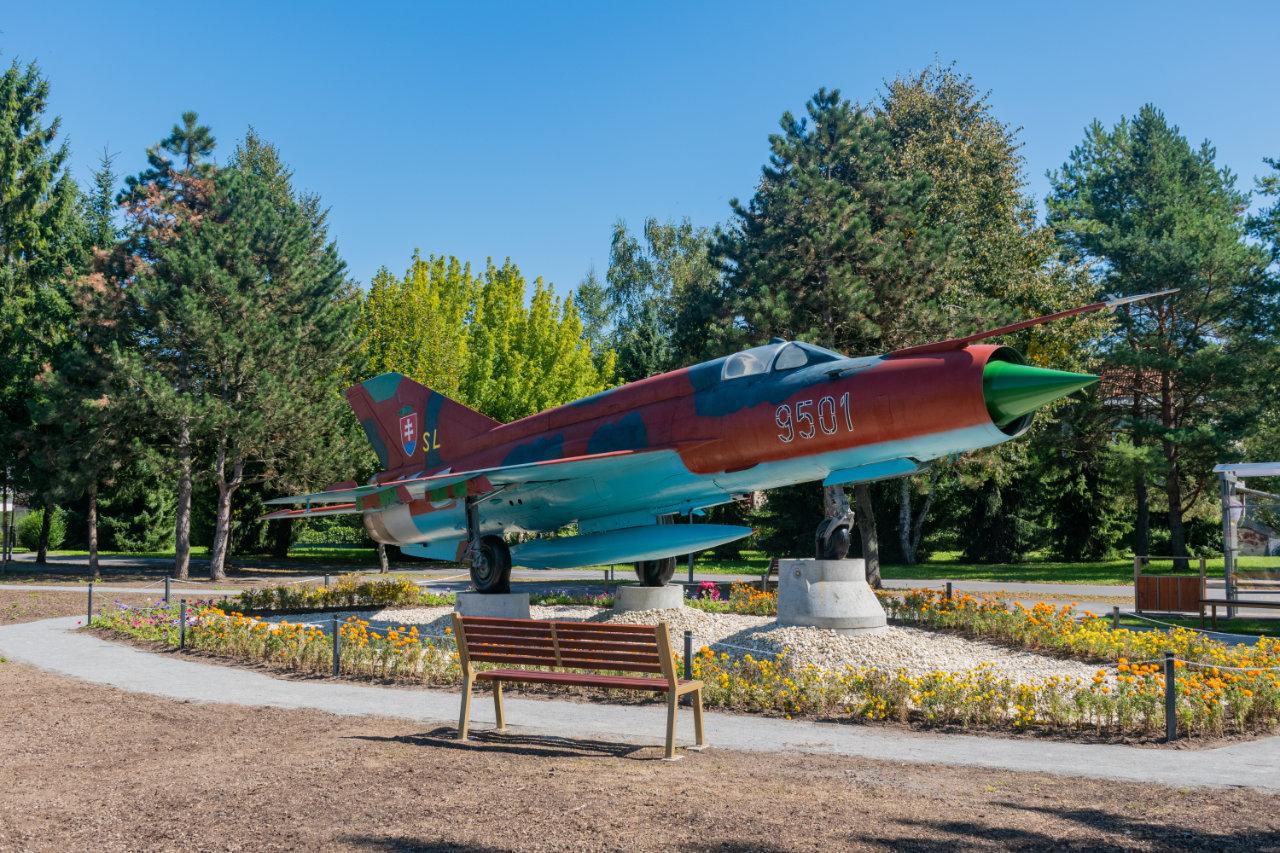 Park Tri duby, Sliač